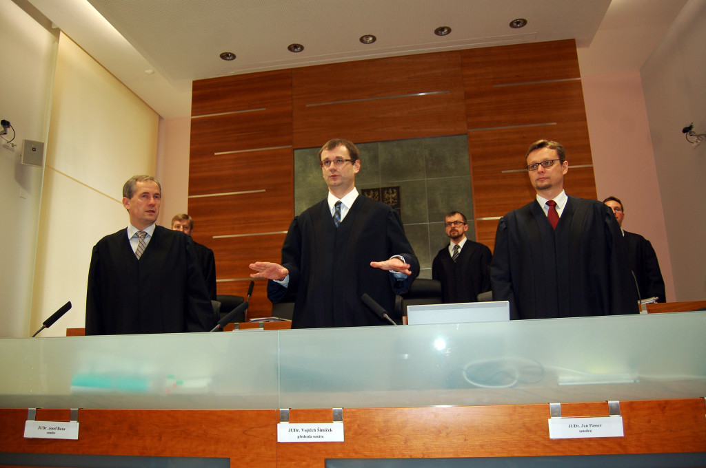 Soudce Vojtěch Šimíček (uprostřed) Foto: archiv
