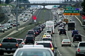 I když to tak z fotografie nevypadá, na amerických dálnicích ubývá aut. Foto: RockTheCity
