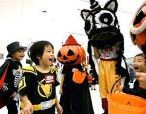Tyto čínské děti si koledují o kriminál. Kdyby se radši koukaly na Krtečka, že ano. Foto: China Daily