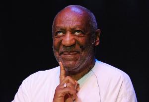 Bez ohledu na presumpci neviny se komik Bill Cosby stal obětí toho jak média informovala o jeho soudních oplétačkách. Foto: Syracuse.com
