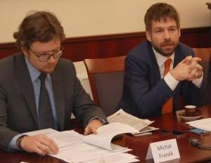 Ministr spravedlnosti Robert Pelikán, vlevo první náměstek Michal Franěk Foto: MSp