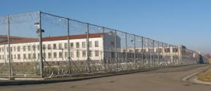Ladislav Růžička, který už sedmým rokem zaměstnává až 150 vězňů ve výrobní hale přímo ve věznici Oráčov. Foto: vscr.cz