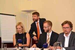 Pelikán při prezentaci návrhu zákona o státním zastupitelství po vypořádání připomínek Foto: archiv