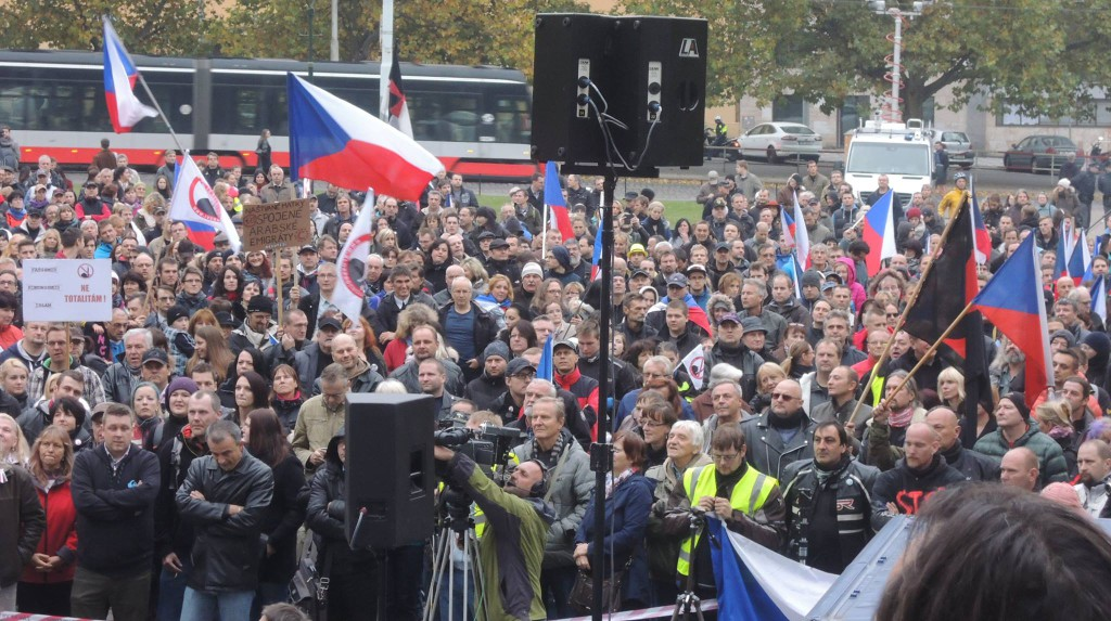 Celkový pohled na demonstranty z 28. října Ilustrační foto: Irena Válová