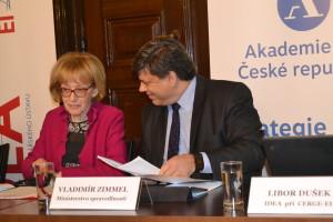 Exministryně Helena Válková s náměstkem pro trestní politiku Vladimírem Zimmelem. Foto: Eva Paseková