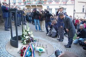 Při odhalování pomníku Milady Horákové Foto: MSp