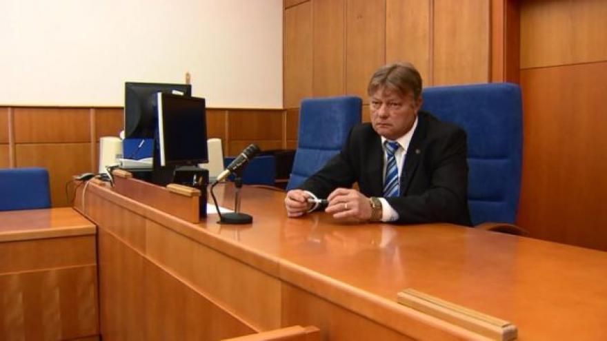 Soudce Novák rozhodl o podmínečném propuštění bývalého starosty Chomutova Reprofoto ČT