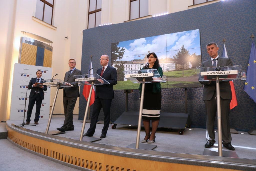 Ministři po jednání kabinetu Foto: vlada.cz