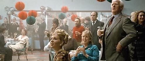 Vánoční party v MI5 - z filmu Tinker Tailor Soldier Spy