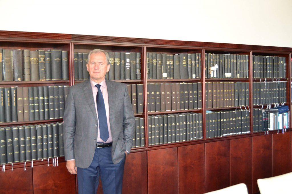 Josef Baxa ve své pracovně na NSS
