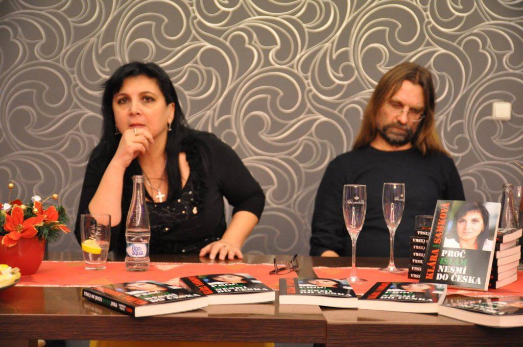 Klára Samková na křtu své knihy Foto: Facebook