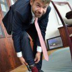 Náramky už otestoval i ministr spravedlnosti Robert Pelikán Foto: Twitter