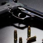 Ministerstvo vnitra chce ústavním zákonem povýšit právo použít legálně držené zbraně k zajištění bezpečnosti Česka