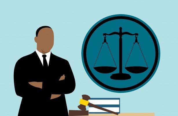 Soudcům a státním zástupcům ke svátku práce