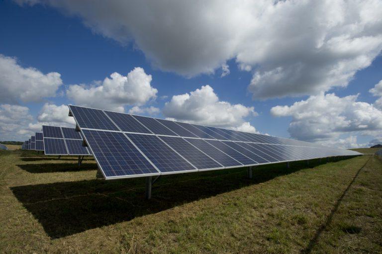 Otazníky nad rozhodováním odvolacího soudu vněkterých kauzách investorů do solárních elektráren